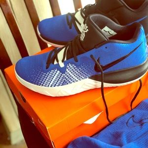 Nike Kyrie Flytraps Black/Royal Blue